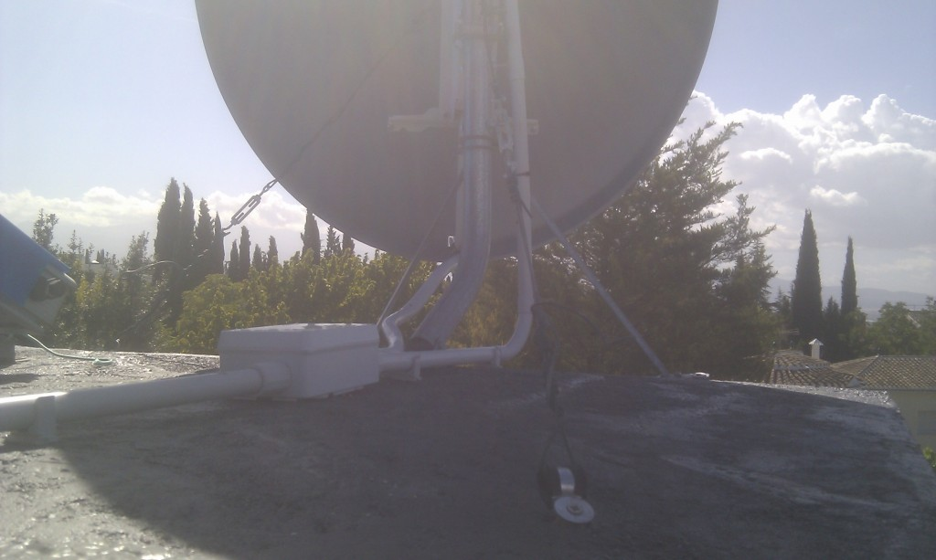 Slab level view of the antenna mast and pipes distribution.